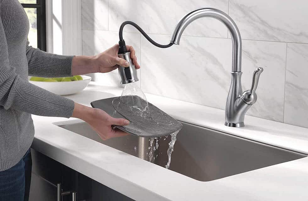Delta Kitchen Faucet 2020 Review