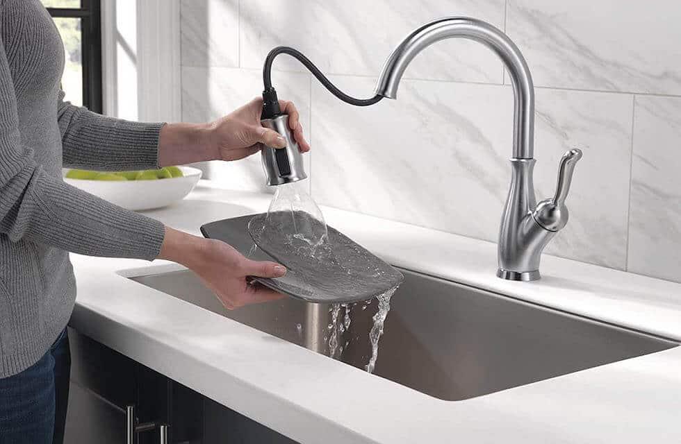 Delta Kitchen Faucet 2020 Review