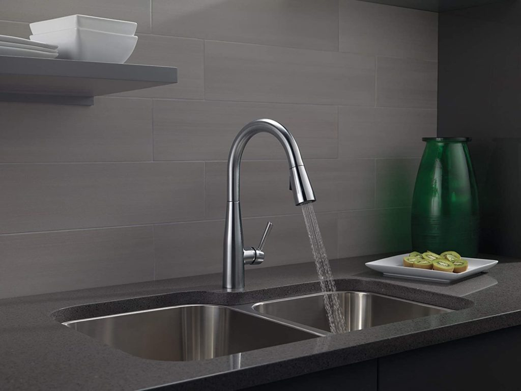 Delta Essa 9113-AR-DST Pull Down Kitchen Faucet Review