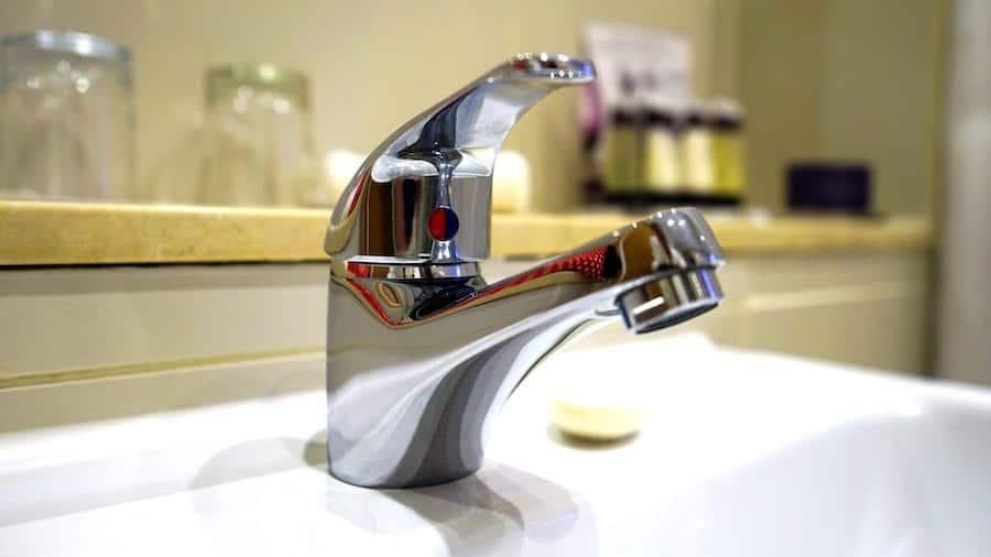 how to fix a compression faucet