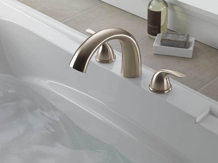 Delta Faucet Classic Roman Tub Filler photo